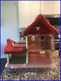 1983 Strawberry Shortcake Berry Happy Home Doll House. See Photos